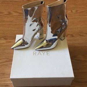 Rate Silver Boots sz. 6